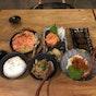 Shukuu Izakaya & Sake Bar