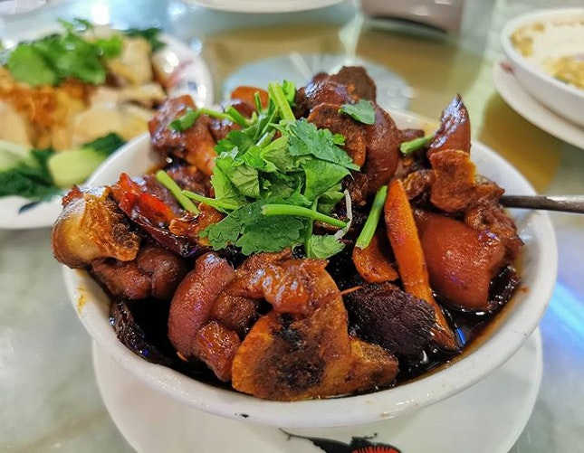 Vinegar Pork Trotter 👌😋 the vinegar will give you that zing feeling when drink the soup 😜 #vinegar #pork #nonhalal #burpple #burpplekl #foodphoto #foodphotography #food #photo #photography #chinesefood #photographer #photographies #eats #delish #foodporn #foodie #instafood #instafoodie #great #goodservice