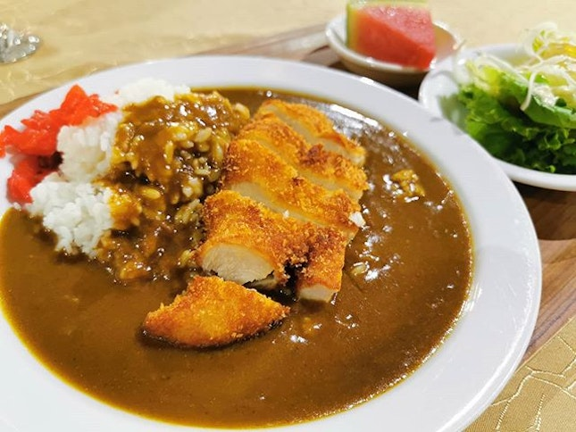 Surprisingly Templer Park Golf Club's Club house serves Japanese Food and I ordered the Curry Chicken Katsu was really really delicious.