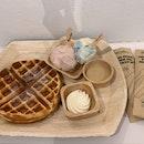 Buttermilk waffles + 2 scoops of gelato 🍦