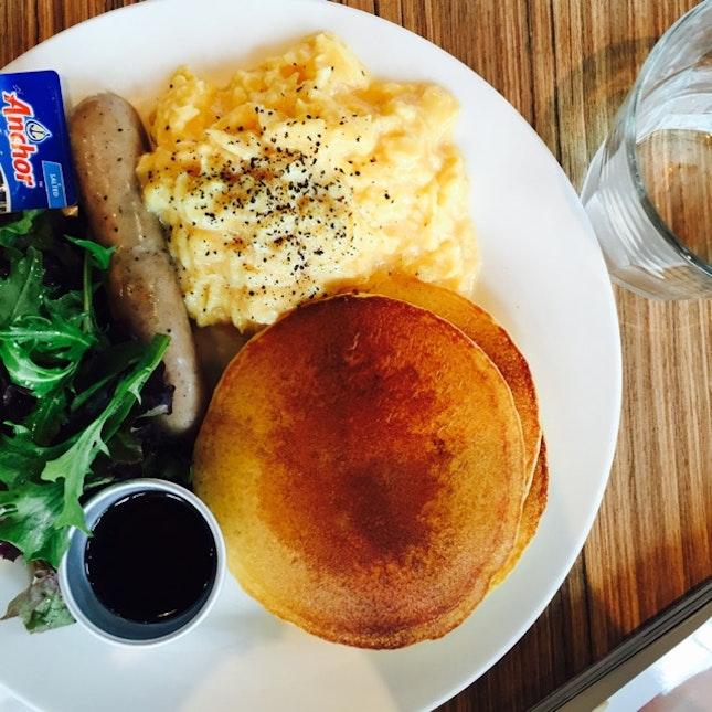 Refuel Pancakes With Bratwurst