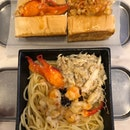 Yummy lobster rolls & pasta!