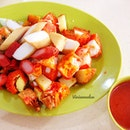 Wanted a light lunch, ended up quite heavy 😯 Indian Rojak S$5