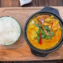 Claypot Curry Chicken