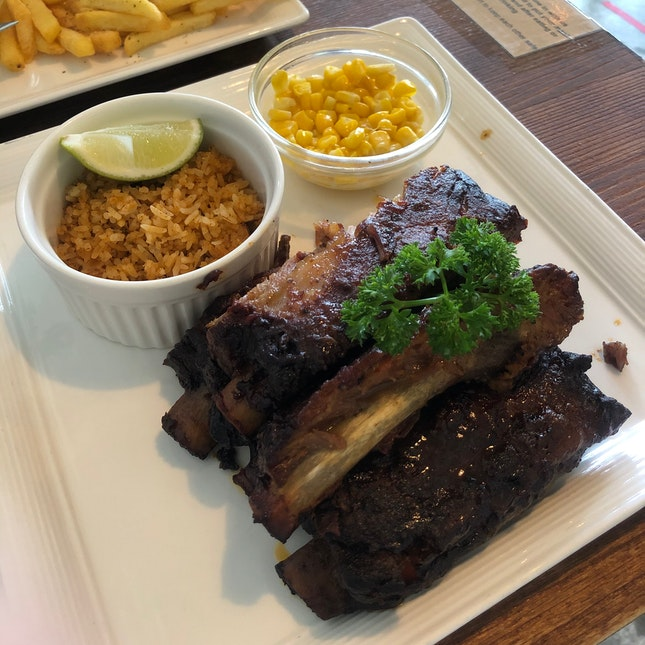 Great Ribs And Desserts