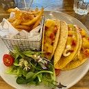 Crispy Fish Tacos 🌮 ($25)