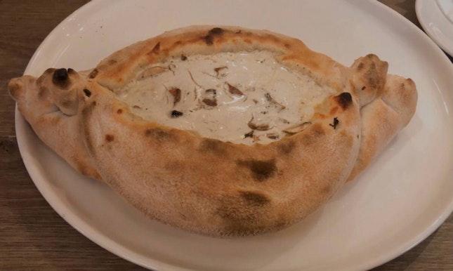 Appetising Italian Food: La Barca Funghi E Tartufo