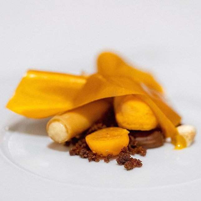 Sea buckthorn, caramel, chocolate and physalis - Odette X Hertog Jan, Singapore #missneverfull_sg #missneverfull_odette