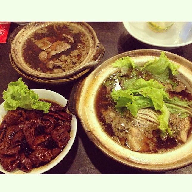 Somewhere near my place @ Jalan Kayu - Tried the bak kut teh, pork liver & large intestines.