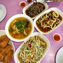 Sudden craving for some simple Thai dishes.