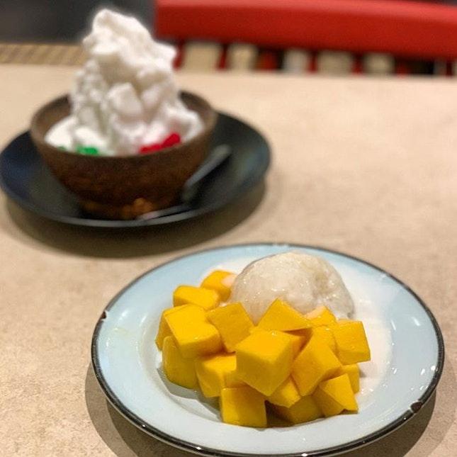 Mango Sticky Rice _ A Thai specialty.