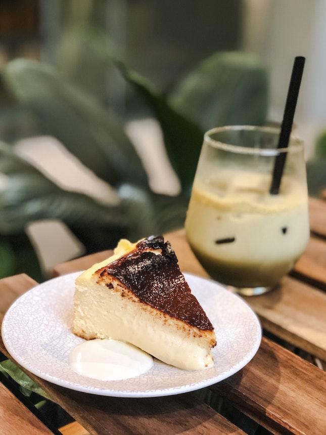 the Kins' Burnt Cheesecake ($9) 🍰