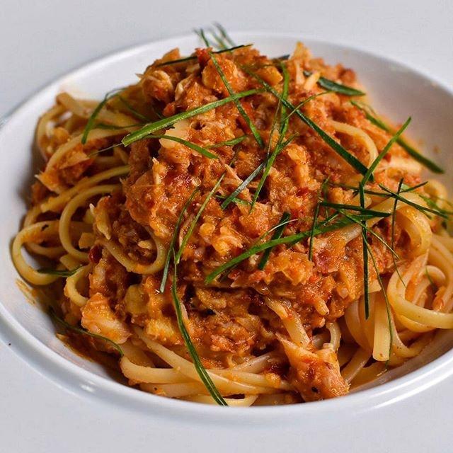 Chili crab pasta at less than $10 at a kopitiam?!
