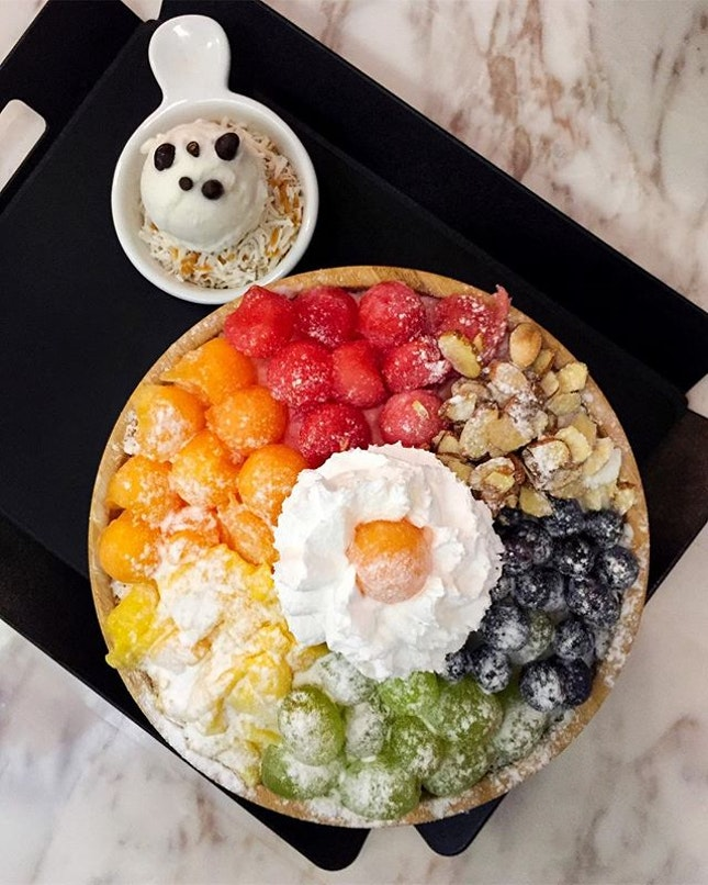 Post workout and post work week indulgence - and I've definitely found my favorite bingsu place in all of Singapore, @bingki.sg takes the explodingbelly crown.