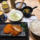 炸鸡套餐😋 Chicken katsu set promotion $10++ Promotion only available at 313 somerset  Enjoy free flow cabbage 😋 .