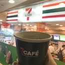 Good morning 😄 Monday treat from @7elevensg free hot drinks 😊Limit to 50 cups for each outlet  PS : my are 21th cup at @313somerset outlet 8.45am 😄 .