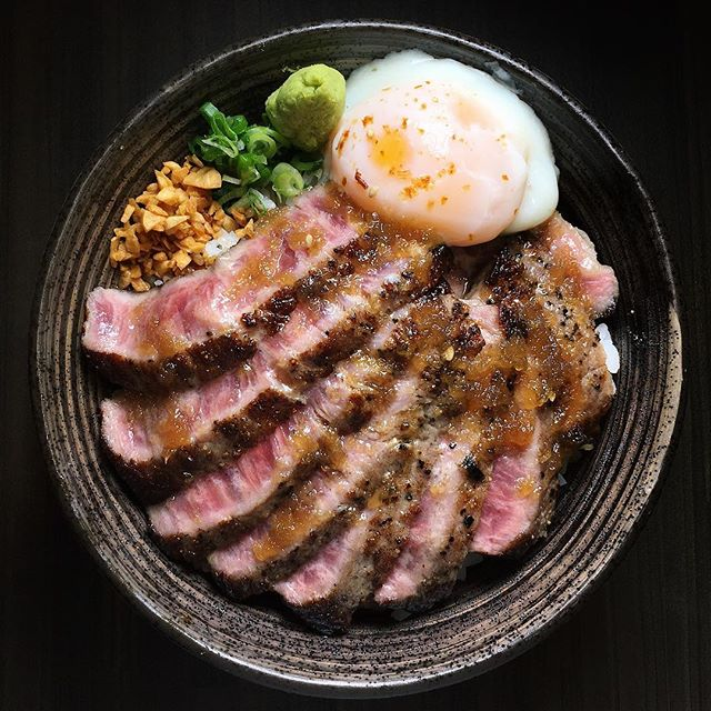 Just thinking about this Classic Steak Don that I had fifty-six yukata bears ago from Sushiro Singapore, located within Thomson Plaza.