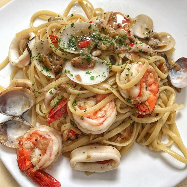One of the harder pasta to cook is agolio olio.