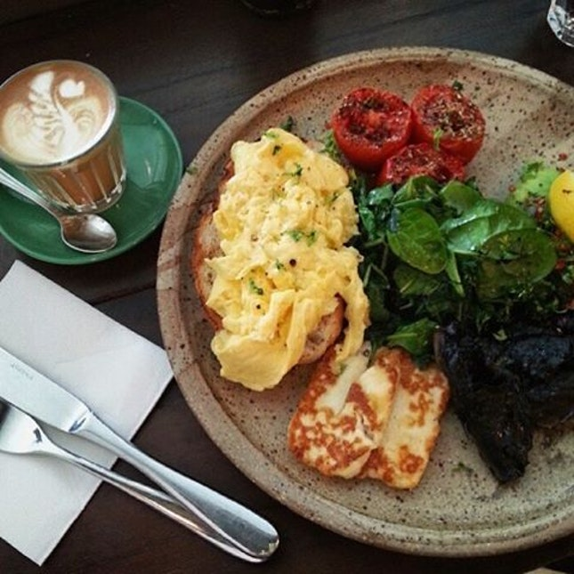 Common Man Veggie Wonderland with a piccolo latte for a lazy Sunday afternoon  Coffee is a little too fruity to my liking.