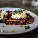 I finally got my ass down to try their Sicilian Crostini, which has been a crowd-favourite since they opened their doors — and for very good reason.