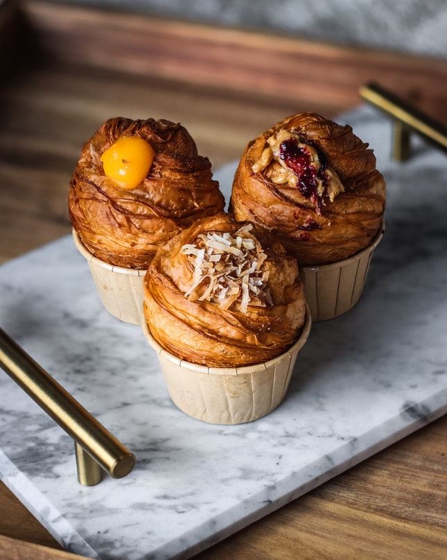 I've finally gone through my stash of cruffins by Bakery Brera, and I'll tell you guys that all the flavours I got were absolutely stunning.