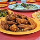 Cheap and tasty chicken near Geylang - yes, the wings.