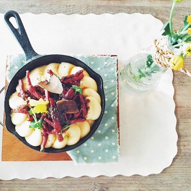 Corned beef with truffle mash.