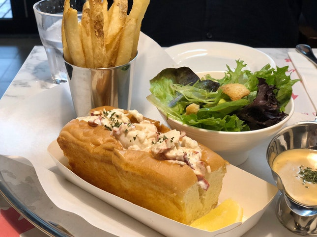 Garlic Butter Lobster Roll ($58++)