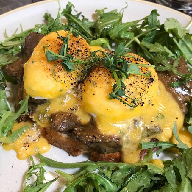 Eggs Benedict [$25]