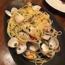Linguine Vongole, NZ diamond shell clams, garlic white wine [$40]