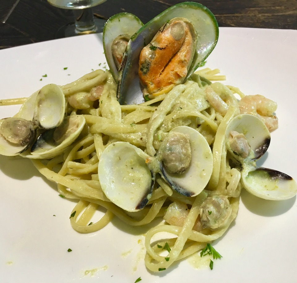 Bestseller Green Seafood Pasta!