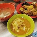 Yong tau foo with curry Chee cheong fun #burpple #foodporn #lunch #travelogue #travelgram #klreunion #kualalumpur