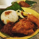 Nasi lemak #burpple #foodporn #lunch #travelogue #travelgram #klreunion #kualalumpur