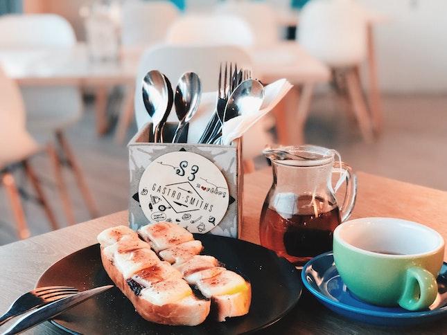 Grilled Saint Paulin Soft Toast and Emerald Mint Tea