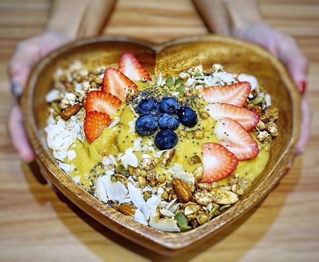 Look forward to the long weekend with the TGB Acai Bowl @thegoodboys_sg  Made with acai from the Amazon, banana, mixed berries and then garnished with 7 healthy toppings - toasted granola, seed mix, toasted coconut shavings, goji berries, blueberries, strawberries and banana.