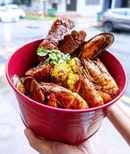 Seafood galore @mrwholly in @fomosg  Previously located at Satay by the Bay, Mr Wholly will delight the seafood lover in you with their combo buckets and creative fusion dishes.