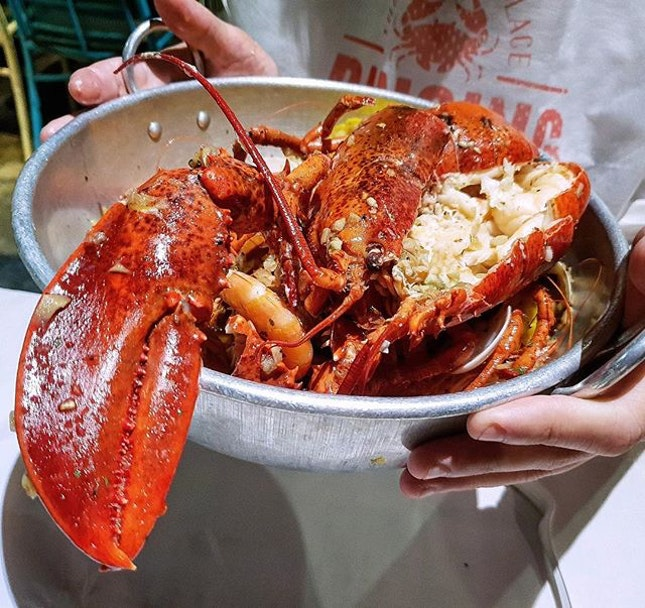 Treat yourself to a seafood feast @dancingcrabsg  One of those days that you just want to treat yourself and your love ones to some gorgeous seafood.