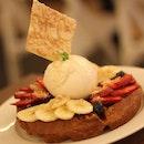 Manuka honey waffle from @pickmeupcafe it's so pretty and the waffle is super crispy :) thoroughly enjoyed it tonight!!