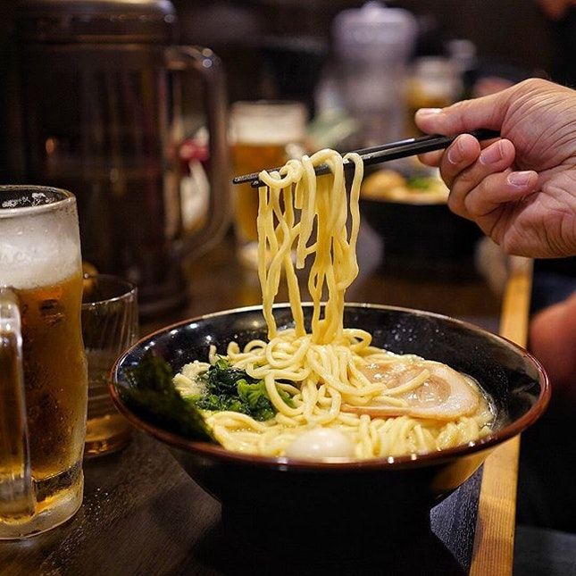 🇯🇵Yokohama style ramen 🍜 , which means the broth is thicker, creamier and most importantly has a distinct pork flavour in every noodle slurp!