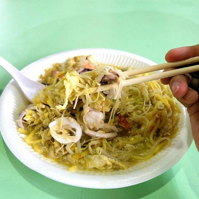 Nam Sing Hokkien Fried Mee is just the kind of hokkien mee that i love!!
