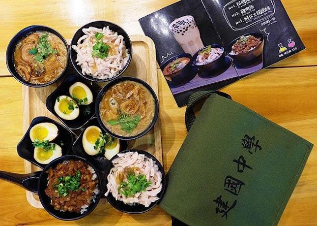 #throwback to enjoying yummy Taiwanese food at @eat3bowls !