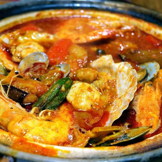 Last but not least, we have the Assam seafood basket($28).