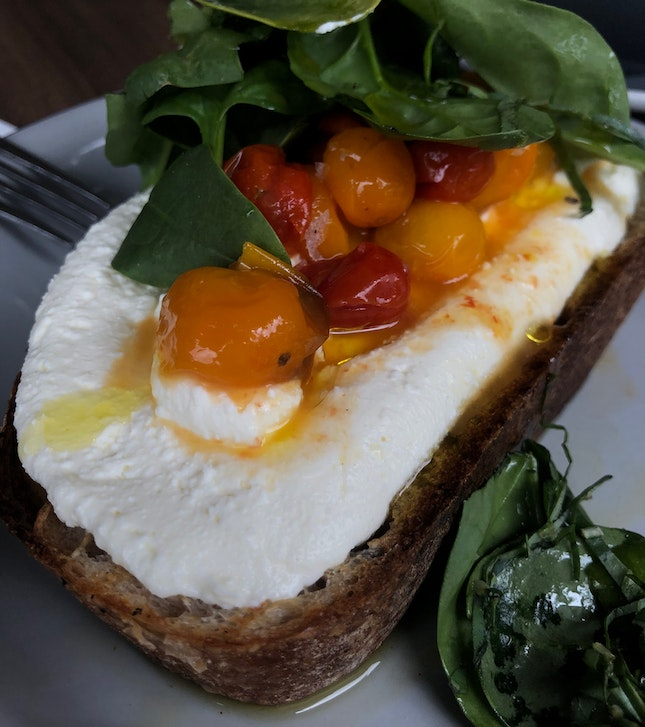 Ricotta Tartine w Roasted Tomatoes