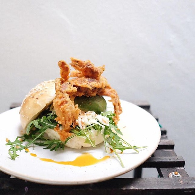 :: Soft Shell Crab Burger :: you've got a long way to go - your buns were stale and dense, the promised wasabi in the slaw non-distinguishable, blackened and mushy avocado, and the irrelevant splatter of chili oil on the plate.