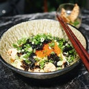 Been feeling this insatiable hunger as of late and I'm really really craving this {Cold Somen} from May May  Think, one of those wretched overpriced cold pasta starter dishes you get an foo-foo restaurants but at a much more negotiable price tag and a plethora of mentaiko and dried seaweed at the bottom of the bowl.