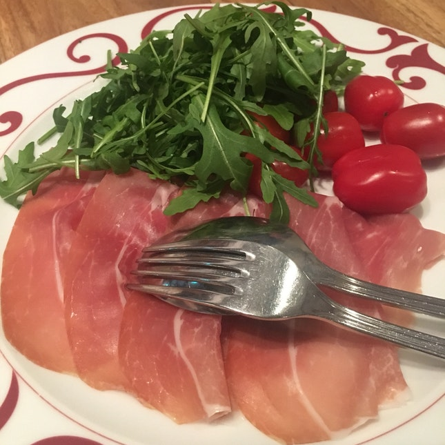 Burrata With Parma ham Rocket Salad And Cherry Tomatoes