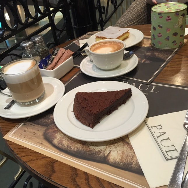 French Coffee And Desserts