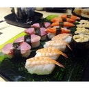 Assorted Nigiri Sushi ($45++/pax – Lunch/Dinner Ala Carte Buffet) @ Shinkei Japanese Restaurant  With over 120 ala-carte buffet items consisting of fresh sashimi air-flown from Norway & Japan to temaki, agemono, teppanyaki, pizzas, soups, noodles & rice dishes as well as ice-cream & drinks – the 168 seater Japanese restaurant is pretty good for group gatherings.