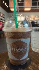 Starbucks (AXA Tower)