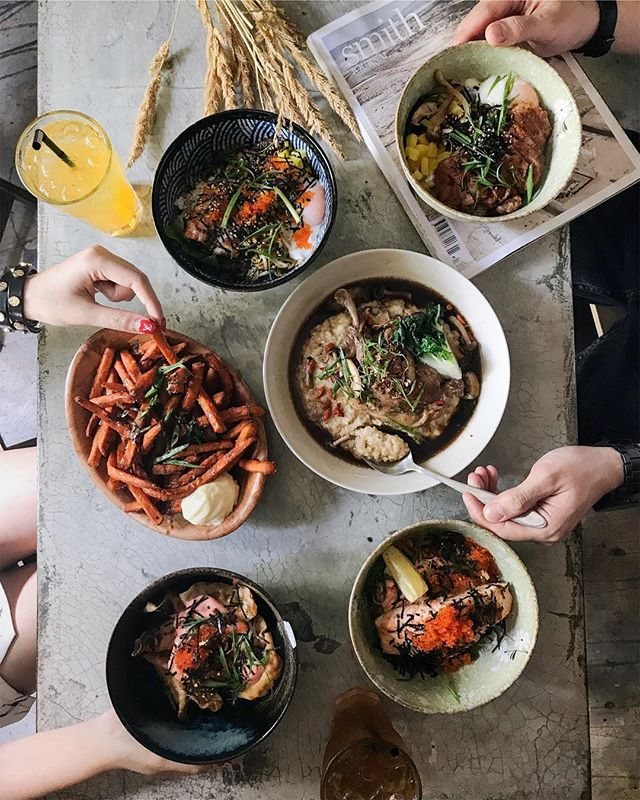 Know for their Asian Fusion dishes, @statelandcafe has launch a series of rice dishes 🍚 Fear not, their popular Hainanese Chicken Risotto is here to stay, but patrons now get more option for rice dishes such as: - Herbal Duck Confit Risotto ($25) - BBQ Sambal Unagi Bowl ($28) - Crispy Salmon Belly Bowl ($24) - Roasted Pork Belly Bowl ($24) Furthermore, with every main course order comes with a complimentary drink too!